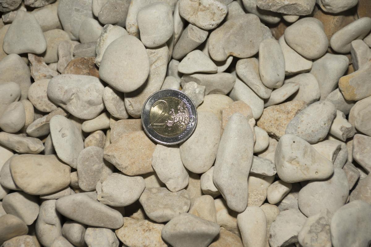 calcaire roul 5 20 achat de galets en vrac ou big bag. Black Bedroom Furniture Sets. Home Design Ideas
